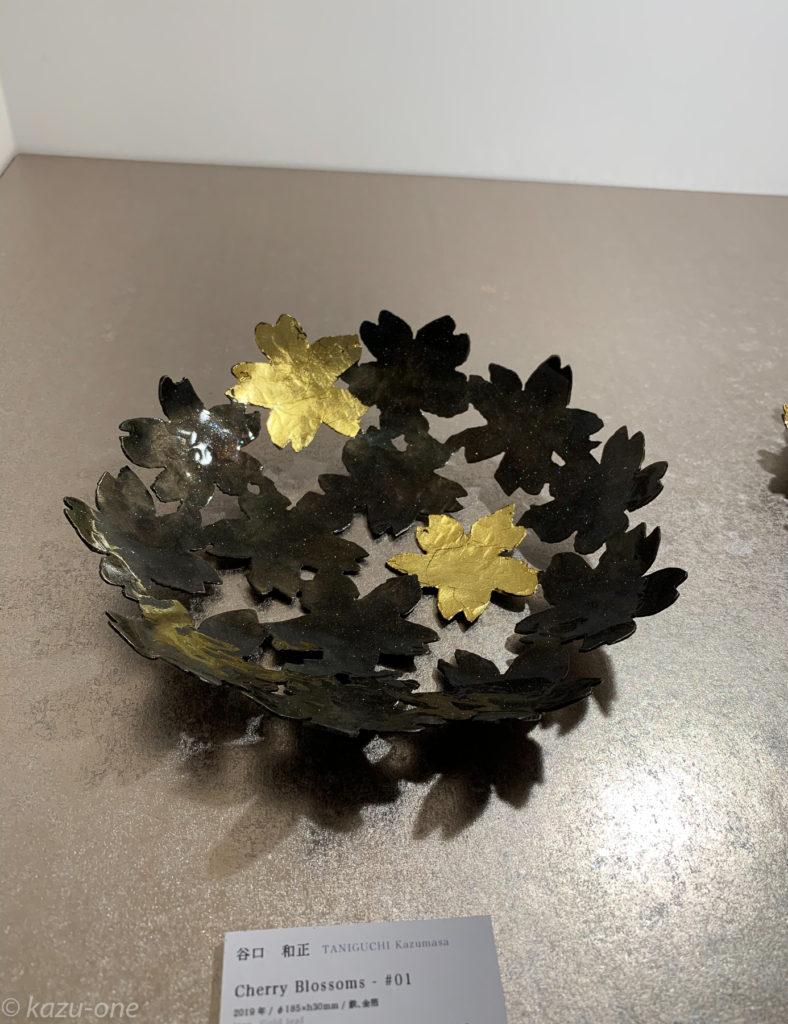 Cherry Blossoms-#01 / 大きさ:直径185mm*h30mm/ 素材:鉄/金箔/ 仕上げ:油焼き/ウレタンクリアー塗装/ 2019制作